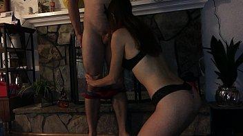 Благоверная насела мужу-пиздолизу на лицо и кайфанув достигла оргазма