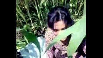 Любовник дерет старушку с багровыми волосами в манду на кроватки