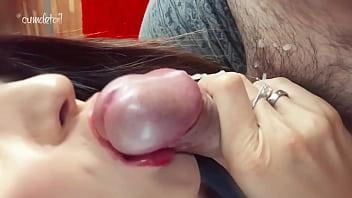 Негр ебет 2-ух девушек в тугие багряные вагины