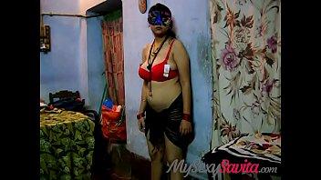 Молоденькая девочка готова к сьемкам